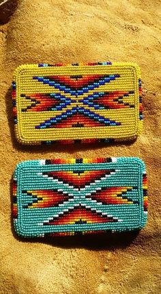 Card holder Native Beading Patterns, Beadwork Designs, Native Beadwork, Seed Bead Patterns, Native American Beadwork, Beaded Moccasins, Beading Projects, Beading Ideas, Bead Sewing