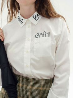45 Embroidered Tops For Starting Your Winter - Fashion New Trends Fashion Details, Diy Fashion, Fashion Outfits, Fashion Design, Winter Fashion, Street Fashion, Embroidery Letters, Shirt Embroidery, Embroidery Ideas
