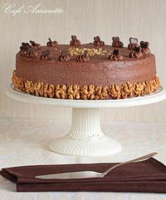 Tort orzechowy z kremem kakaowym @cafeamaretto