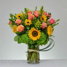 sunflowers, orange roses, and green hydrangeas flower arrangement is brilliant! this gorgeous floral design is a perfect gift for any happy occasion. Table Flower Arrangements, Sunflower Arrangements, Beautiful Flower Arrangements, Floral Centerpieces, Green Hydrangea, Hydrangea Flower, Summer Flowers, Beautiful Flowers, Beautiful Horses
