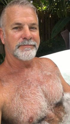 Man he's perfect love that chest hair especially 🤤 this one mad me cum ; Goatee Beard, Sexy Beard, Hairy Men, Bearded Men, Big Daddy Bear, Extreme Hair, Silver Foxes, Body Building Men, Father Figure