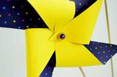 Quick 'n Easy Giant Paper Pinwheels {Free Template}