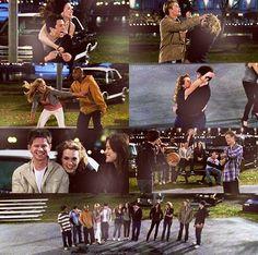 Season 4 Episode 21 All Of A Sudden I Miss Everyone ; favorite cast/episode/season/scene