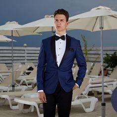 Un costum elegant. Portă-l la un eveniment de clasă. Costum Elegant, Bespoke, Ready To Wear, Suit Jacket, Breast, Costumes, Suits, How To Wear, Jackets