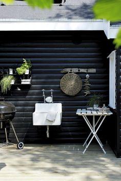 Lyst og let. Uhøjtidlig og afslappet. Skab den rette sommerstemning i dit hjem eller sommerhus. Få 15 brugbare tips her