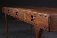 Lauritz.com - Moderna bord och stolar - Nanna Ditzel. Fritstående skrivebord, teak, fire skuffer - DK, Roskilde, Store Hedevej