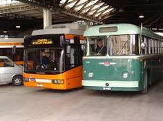 Napoli, prende a bastonate il bus perché andava troppo veloce