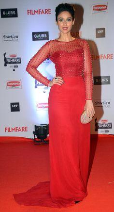 Deepika Padukone, the Bachchans and Ranveer Singh at Filmfare Awards 2016 Indian Film Actress, Beautiful Indian Actress, Beautiful Asian Girls, Indian Actresses, Ileana D'cruz Hot, Deepika Padukone Hot, Vogue India, Ranveer Singh, Indian Celebrities