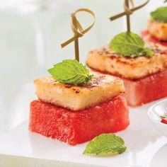 Bouchées de melon d'eau au halloumi grillé - Recettes - Cuisine et nutrition - Pratico Pratique