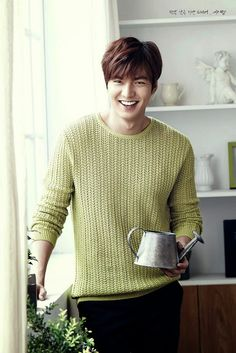 A sweet smile of Lee Min Ho as the ambassador for Kyochon Chicken