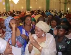 Welcome to ZettaBlog.com: DID BUHARI'S WIFE TAKE 20 PEOPLE IN HER ENTOURAGE ...