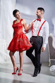 87- loknis aljú menyecske ruha, csipkés vállrésszel Dream Wedding Dresses, Formal, Weddings, Beauty, Film, Style, Fashion, Short Gowns, Preppy