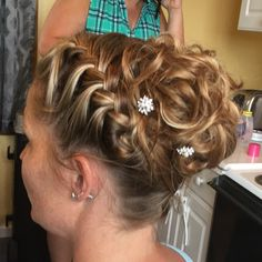 jen's hair design - The Traveling Stylist