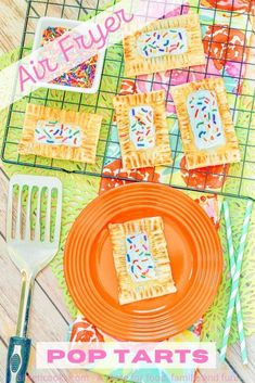 Make your own tasty pop tarts at home with this recipe for homemade air fryer pop tarts! Savory Breakfast, Breakfast Recipes, Air Fryer Chicken Wings, Vanilla Icing, Air Fryer Healthy, Rainbow Sprinkles, 30 Minute Meals, Air Fryer Recipes, Pop Tarts