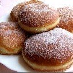 Gogosi - Super yummy with powdered sugar also Beignets, Romanian Food, Romanian Recipes, Sweet Pastries, Recipe Images, Cupcake Cookies, Cupcakes, Donuts, Delish