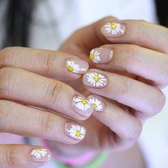 [#유니스텔라트랜드] ❤ #오늘네일뭐하지? #꽃네일 #데이지네일 #드로잉네일 #꽃이피었습니다 #잎이움직이는거같아 #unistella #daily_unistella #daily_uninails #daisynails #drowingnails #flower #NOTD ✔유니스텔라 내의 모든 이미지를 사용하실때 사전 동의, 출처 꼭 밝혀주세요❤