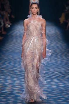 NY All these first 4 dresses remind me of two barbies i used to have- adore adore!!! Marchesa Spring 2017 Ready-to-Wear Fashion Show - Zhenya Katava