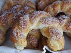 A VKF! 67. forduló alkalmával összegyűlt kelt tészták egyike volt Kabóca cukros kiflije . Mivel szeretjük a péksütiket, és szeretek k...