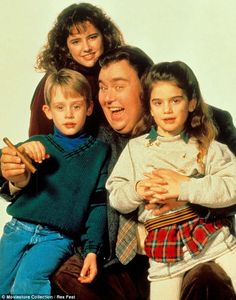 Macaulay Culkin, Gaby Hoffmann, John Candy and Jean Louisa Kelly in Uncle Buck All time favorite movie 80s Movies, Great Movies, I Movie, Movie Stars, Awesome Movies, 1980s Films, Funny Movies, 1990s, Larry Wilcox