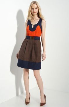 @Mahala Pruitt, this dress would be perfect for a Fall... (and her shoes aren't bad either)