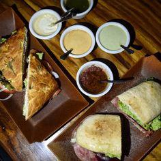 Paninis en focaccia y chapata en @benittospv deliciosa cena en @PuertoVallarta