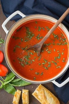 Homemade Tomato Soup is really easy with this recipe. Even if you know how to make tomato soup you should try this, it's so creamy and tasty. Easy Tomato Soup Recipe, Cooking Recipes, Healthy Recipes, Healthy Soups, Bariatric Recipes, Bean Recipes, Copycat Recipes, Chickpea Stew, Soup And Sandwich