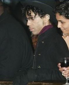 Prince - 02/06/2004 - House of Blues - West Hollywood, California, United States - 267 x 328