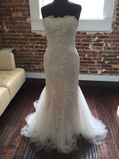 228e3018aeff Vera Wang White VW351021, $450 Size: 6   New (Un-Altered) Wedding ...