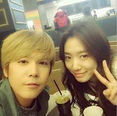 Park Shin Hye and Lee Hongki show off their close friendship