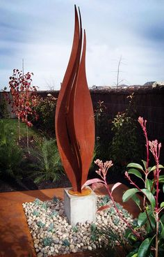Custom Steel Sculptures for your Garden in Bayside & wider Melbourne. Meticulous work, finest quality artwork. Call PLR Design on 03 9570 1916 for details.
