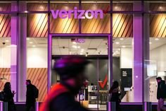 U.S. Investigating AT&T and Verizon Over Wireless Collusion Claim