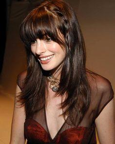 Anne Hathaway 's bangs