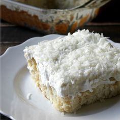 Mom's Best Ever Coconut Cake via @breadboozebacon