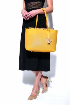 Yellow leather italian #AlvieroMartini tote bag
