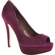 Flawwles is a spectacular platform shoe with peeptoe featuring bold stitching down the back and subtle stitching around the collar. These sky high Steve Madden heels have a 1  platform.