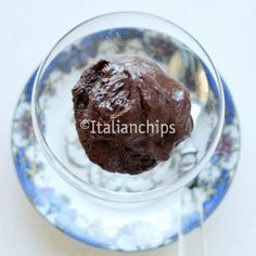 Luscious chocolate mousse with no added sugar