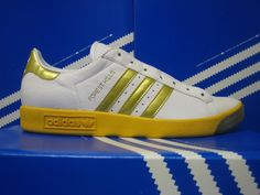 Forest Hills in this c/w are my holy grail Adidas Og, Adidas Sneakers, Shoes Sneakers, Men's Shoes, Sergio Tacchini, Football Casuals, Adidas Three Stripes, Sneaker Games, Casual Shoes