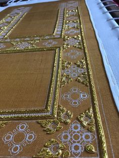 Embroidery Neck Designs, Border Embroidery, Embroidery Motifs, Embroidery Hoop Art, Zardosi Embroidery, Couture Embroidery, Thai Art, Gold Work, Paisley Print