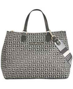 TOMMY HILFIGER Tommy Hilfiger Pauletta Medium Monogram Shopper. #tommyhilfiger #bags #polyester #leather #metallic #shoulder bags #hand bags #cotton #