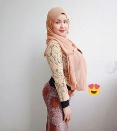 Muslim Women Fashion, Arab Fashion, Arab Girls Hijab, Muslim Girls, Beautiful Muslim Women, Beautiful Hijab, Hijabi Girl, Girl Hijab, Muslim Beauty