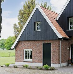 Old Houses, Building Design, Facade, Shed, Outdoor Structures, Cabin, Architecture, House Styles, Places