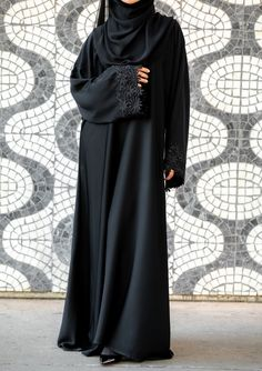 Al Shams Abayas - Beautiful Abayas Collection Abaya Noir, Abaya Designs Dubai, Estilo Abaya, Modern Abaya, Black Abaya, Niqab Fashion, Muslim Women Fashion, Hijab Fashion Inspiration, Islamic Clothing
