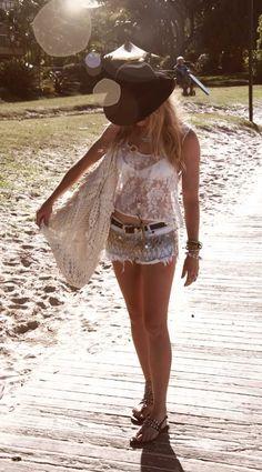 Beach fashion, OracleFox