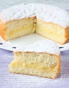 Pensionärskaka – Lindas Bakskola Swedish Recipes, Sweet Recipes, No Bake Desserts, Dessert Recipes, Baking Recipes, Cookie Recipes, Gateaux Cake, Bagan, Savoury Cake