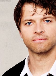 Misha Collins <3 Look how bright and beautiful those eyes are!! Oh how I worship this man! He is totally my Overlord and I diehard minion...