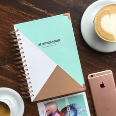 The Happiness Planner is a beautiful planner/journal/diary that embraces the power of positive thinking, mindfulness, gratitude, and self-development. Pink Planner, 2017 Planner, Happy Planner, Planner Book, Best Planners, Day Planners, Journal Design, Or Rose, Rose Gold