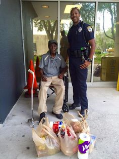 Gainesville, FL Police Officer helps elderly victim and replaces stolen groceries
