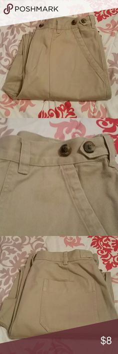 Jones Jeans Like new condition with no rips, stains or signs of wear at hems or inner thighs.100% cotton. Adjustable waist, see picture #2. Jones Jeans Pants