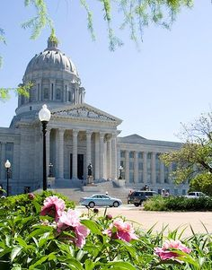 Discover the best of the Show-Me State. Fun & relaxing getaways for all ages! Kid Friendly Vacations, Jefferson City, Capital City, Constitution, Small Towns, Libraries, Spring Break, Missouri, Taj Mahal