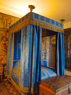 066 blue bedroom at hardwick hall - Yellow Canopy Interior